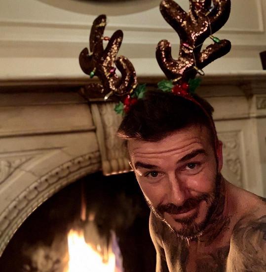 David Beckham pobavil selfie se sobími rohy.