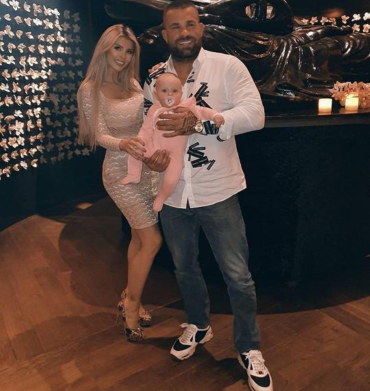 Lela s Karlosem a jejich dcerkou
