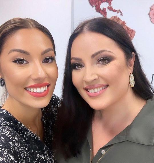 Daniela s maminkou Ivanou propadly kouzlu kosmetiky.
