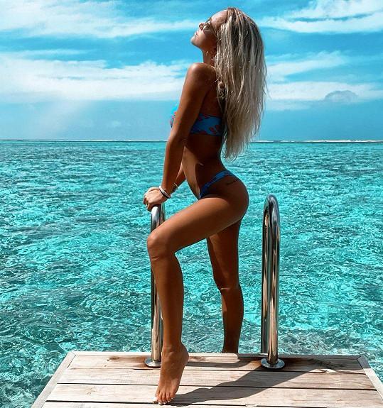 Nela Slováková odcestovala na Maledivy.