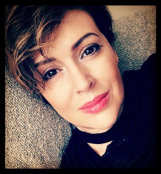 Alyssa Milano je atraktivní i po čtyřicítce.