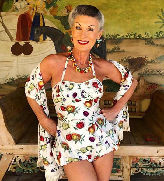 """""""Stárnutí je podle mě velmi osvobozující,"""" říká 62letá Britka."""