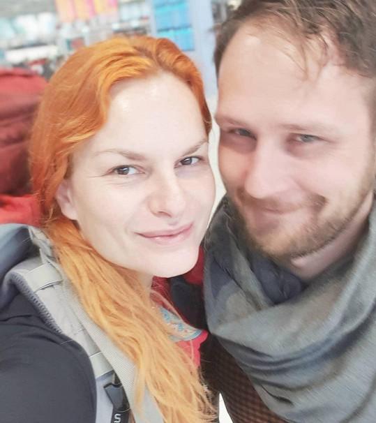 Iva Pazderková s partnerem milují cestování.