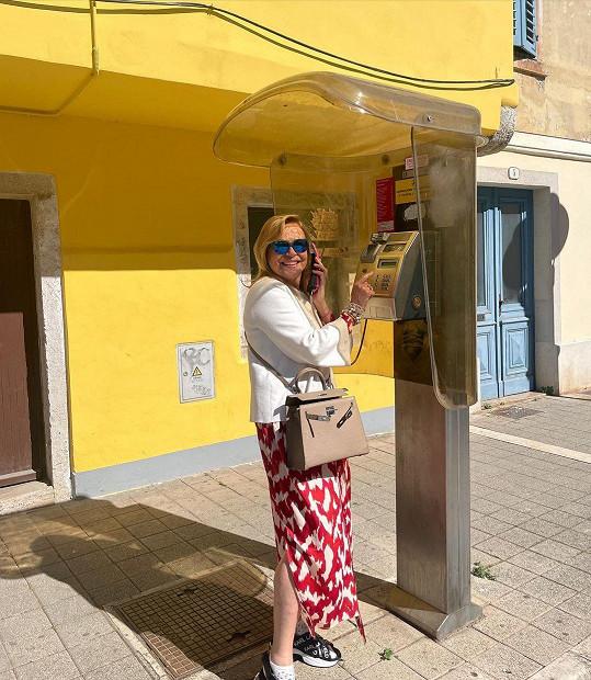 Fascinovalo ji, že v Chorvatsku ještě stále mají telefonní budky.