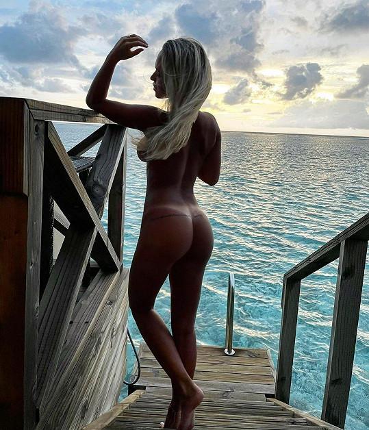 Nela Slováková se ukázala nahá.