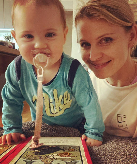 Lucie Šafářová s dcerou Leontýnkou