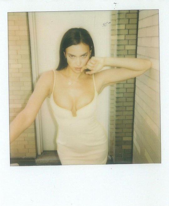 Irina Shayk je stále velice žádanou modelkou.