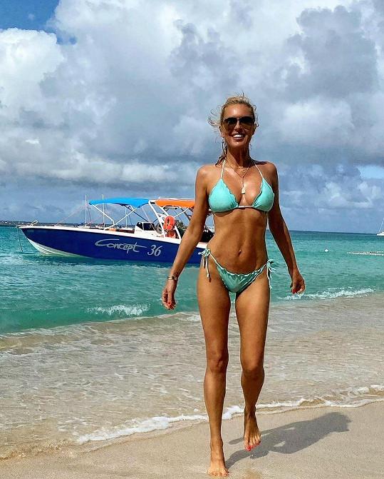 Simona Krainová si užívala na karibském ostrově Svatý Martin.