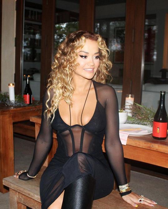 Sexy model důkladně zdokumentovala na Instagram.