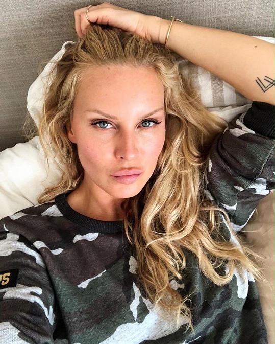 Simona Krainová varovala fanoušky před podvodným profilem s jejím jménem.