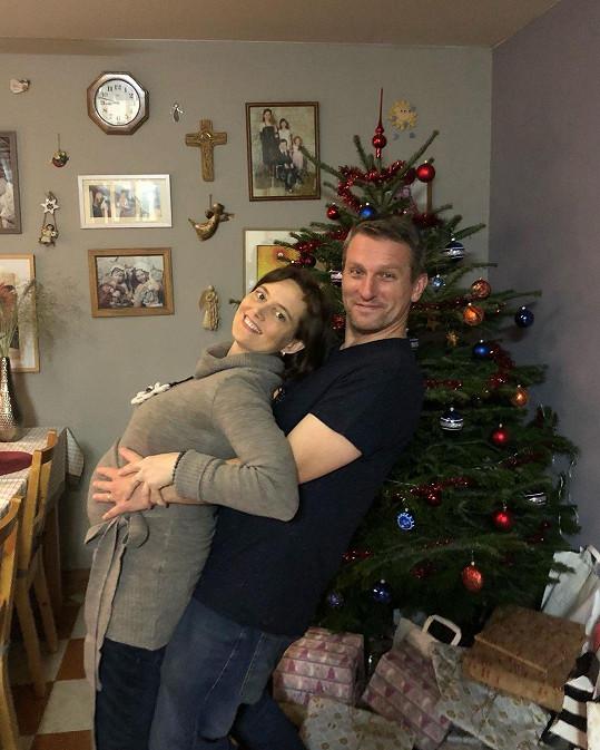 Vladimír Kořen s manželkou Martinou přivítají v květnu čtvrtého potomka.