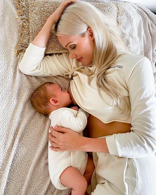 Bývalá miss Kateřina Lébr Šonková a syn Timotej.