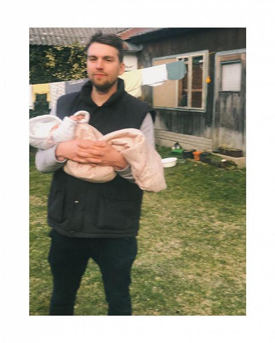 Přítel Bereniky Kohoutové s dcerou