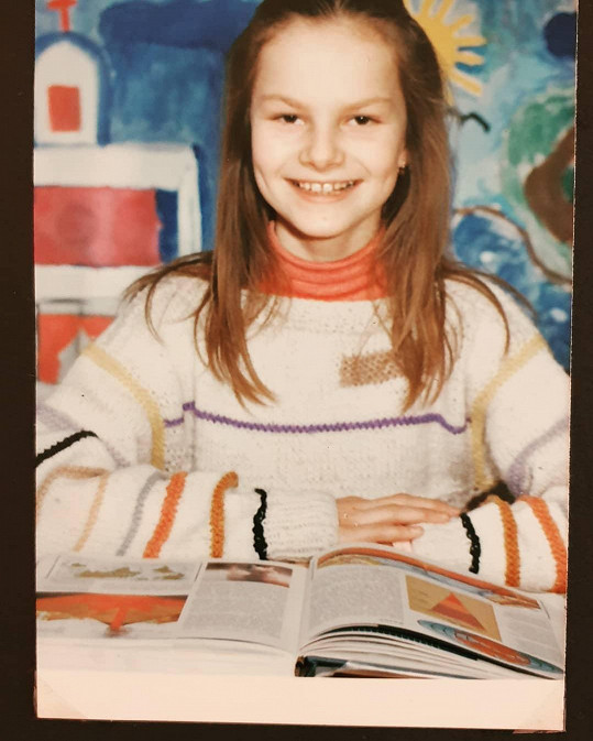 Iva Pazderková se pochlubila školní fotkou.