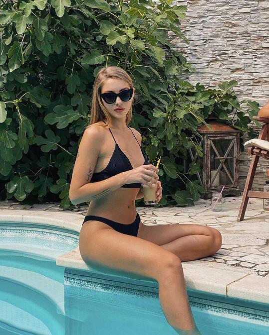 Pavlína Jágrová se ukázala v plavkách.