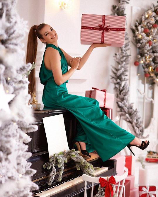 Vánoce a konec roku trávila Nelly doma s rodinou.