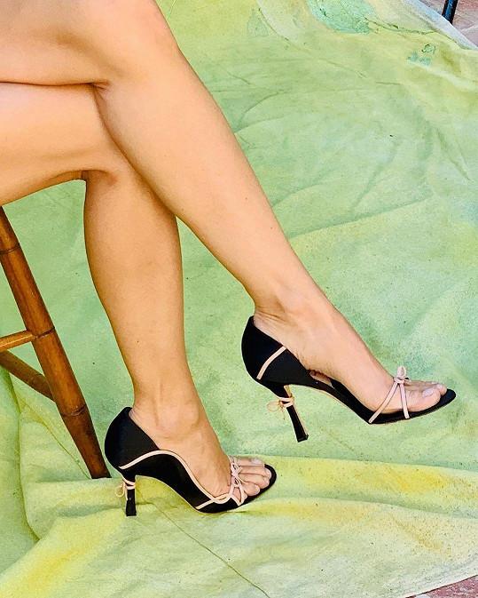 Hlavní roli hrály její krásné nohy.