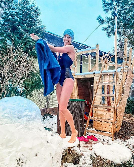 Lucie Křížková se pravidelně koupe v ledové vodě.