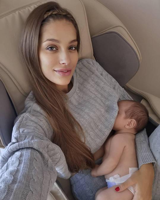 Jasmina Alagič se svěřila, že po půl roce přestala kojit syna a zvolila umělou stravu.