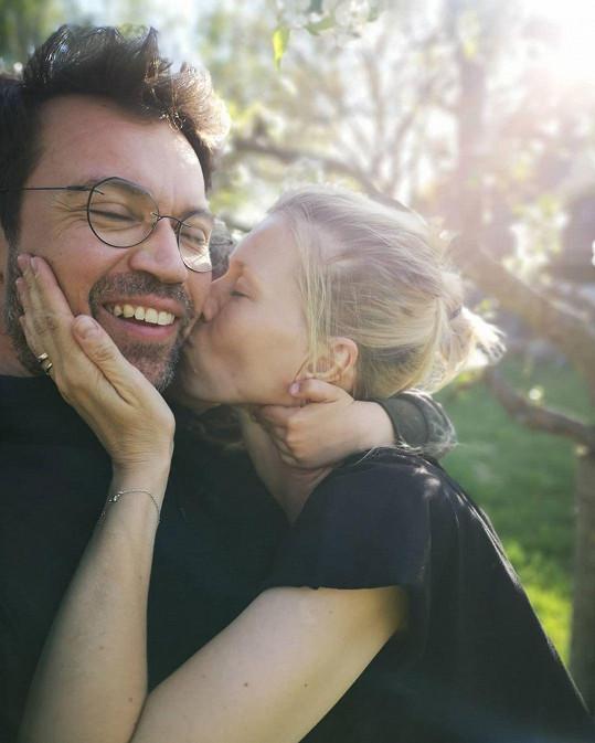 Lukáš Hejlík s manželkou