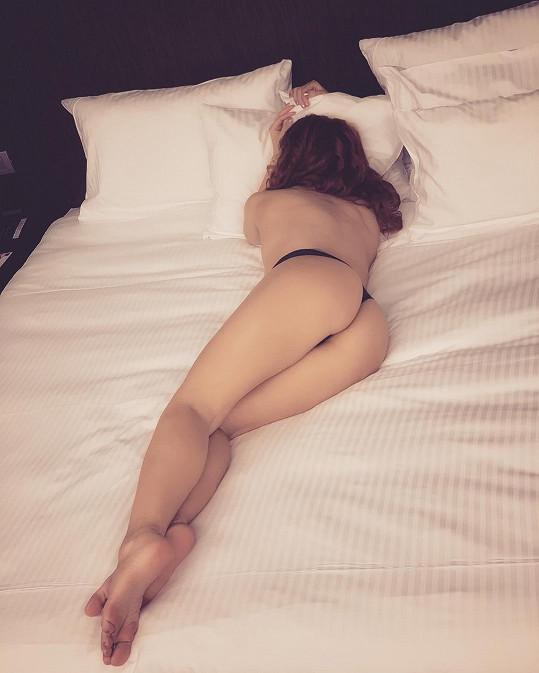 Což se nedá říci o snímku, který vyfotila na hotelu den předtím.
