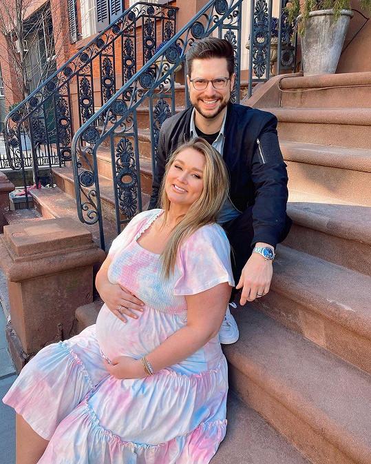 Hunter McGrady a Brian Keys se dočkali prvního potomka. Synovi dali prostřední jméno po tragicky zesnulém bratrovi modelky.