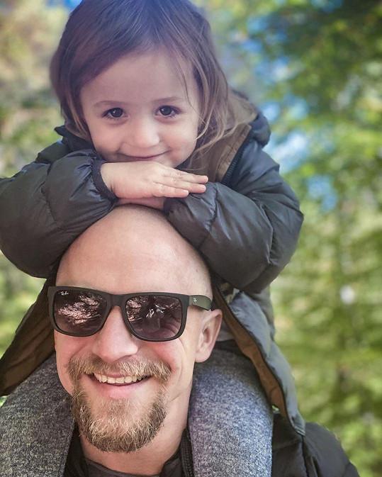 Tomáš Klus s dcerou Jenovéfou