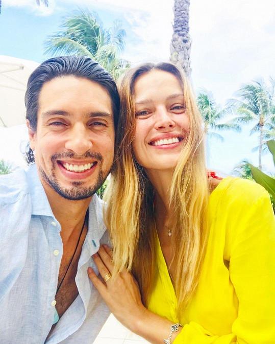 Petra Němcová žije v Dominikánské republice s newyorským podnikatelem Benjaminem Larretchem.