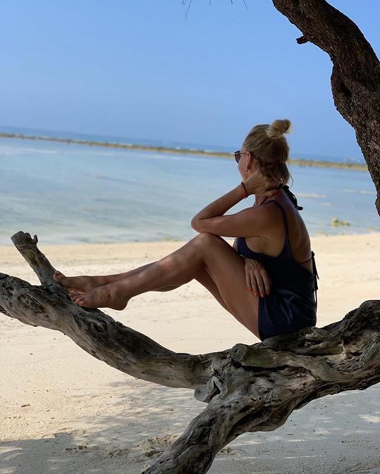 Zpěvačka si dovolenou na Bali užívá plnými doušky.