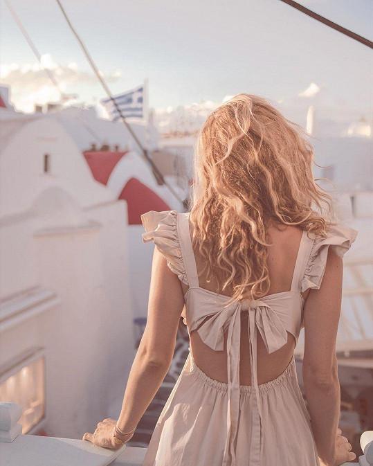 V polovině října si užívala na Mykonosu.