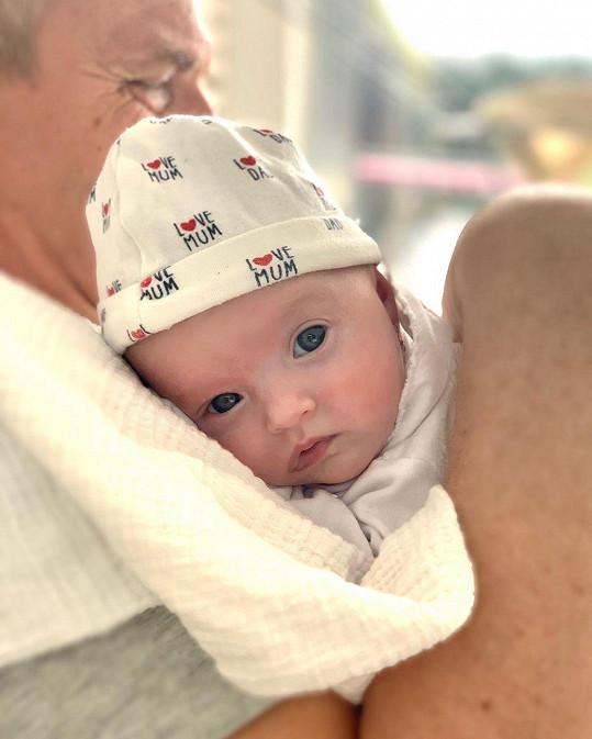 Před pár týdny se byli na vnučku podívat Danielini rodiče. Ti se ale museli vrátit na Slovensko.