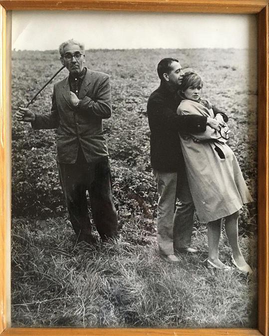 Jana Brejchová a Vlastimil Brodský na archivní fotce. Kdo je muž vlevo, se prý neví.