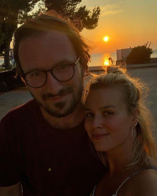 Na dovolenou vyrazila s manželem Tiborem.