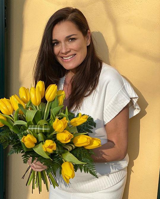 Alena Šeredová čeká holčičku.