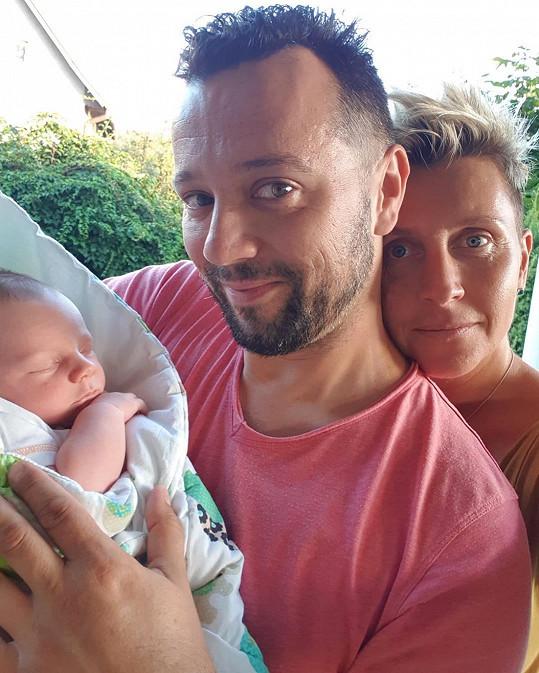 S partnerkou Zuzanou jim nyní dělá radost syn Dave Martin.