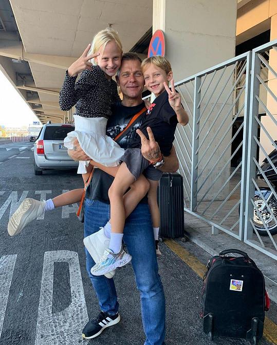 Manžel Zuzy Vlasta Hájek s dcerou Salmou a synem Neviem