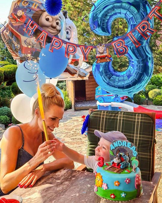 Hana Mašlíková se pochlubila snímkem z narozeninové oslavy synka. K milým gratulacím se přidalo i mnoho fanoušků.
