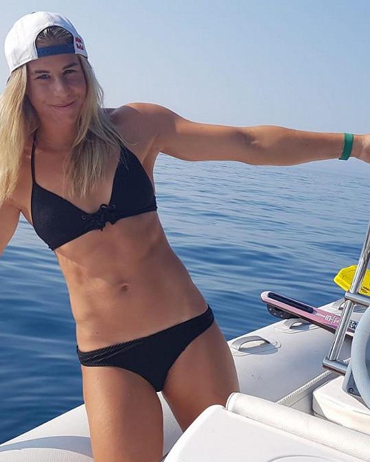 Olympijská vítězka Ester Ledecká má vyrýsované bříško.