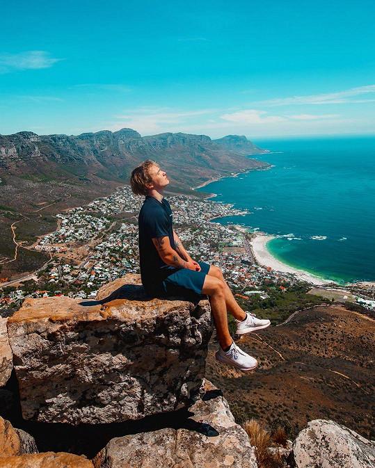 Do Kapského Města odjel i kvůli modelingu.