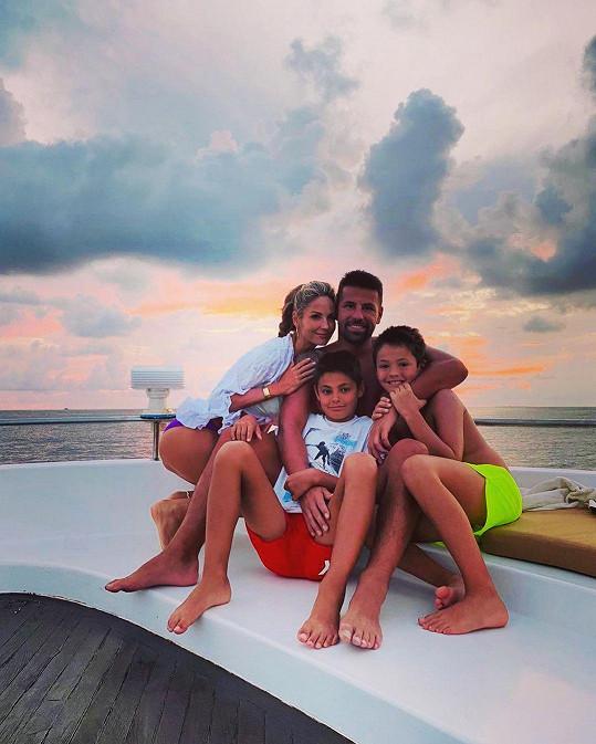 S rodinou je Milan Baroš na dovolené.