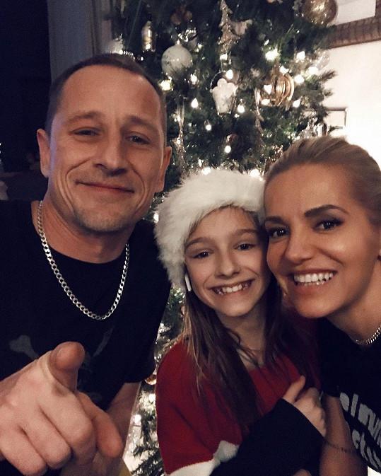 Dara Rolins a Matěj Homola s dcerou Laurou