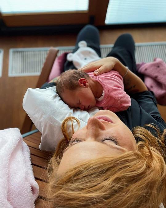 Gabriela Soukalová je pyšnou maminkou.