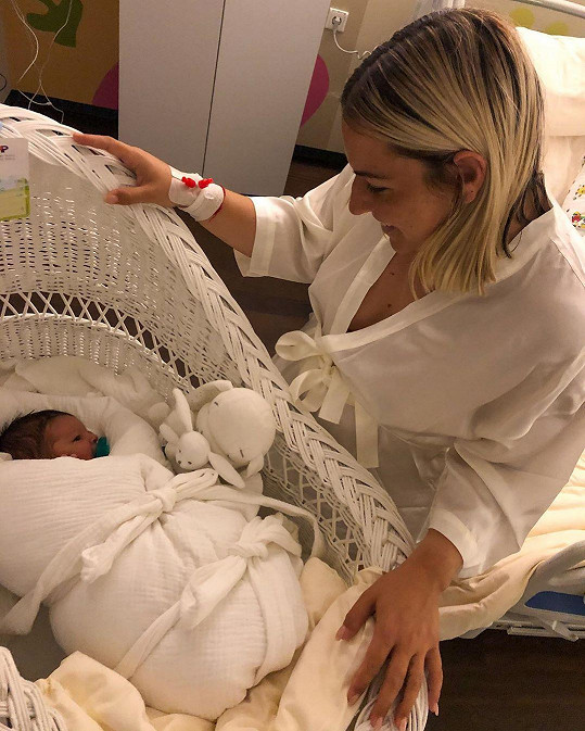 Dominika Cibulková je šťastnou maminkou.