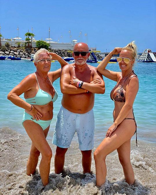 Zuzana Belohorcová trávila na Tenerife i čas se svými rodiči.