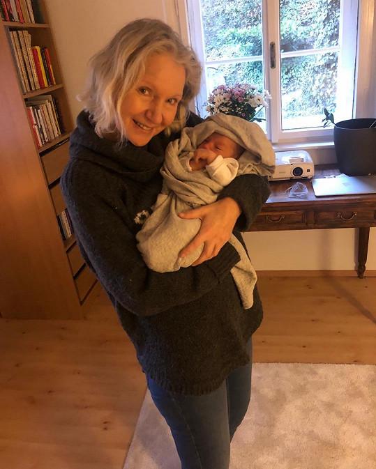 Irena Obermannová s vnučkou Lolou
