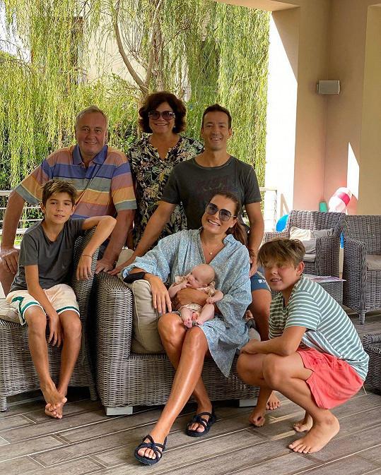 Už je to opravdu dávno, co se rodina sešla i s Aleninou maminkou Jitkou a tatínkem Bohuslavem.