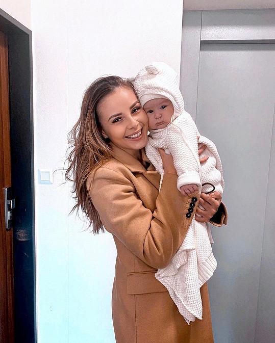 Monika Bagárová se svou dcerkou