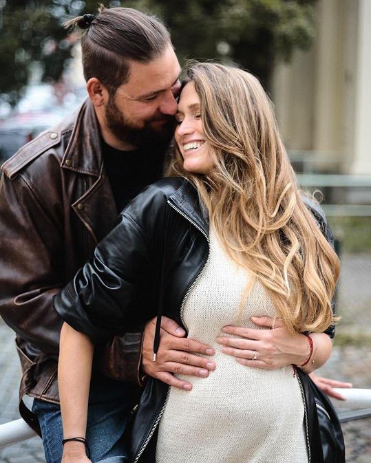 Michaela Štoudková čeká první dítě s partnerem Vojtěchem.