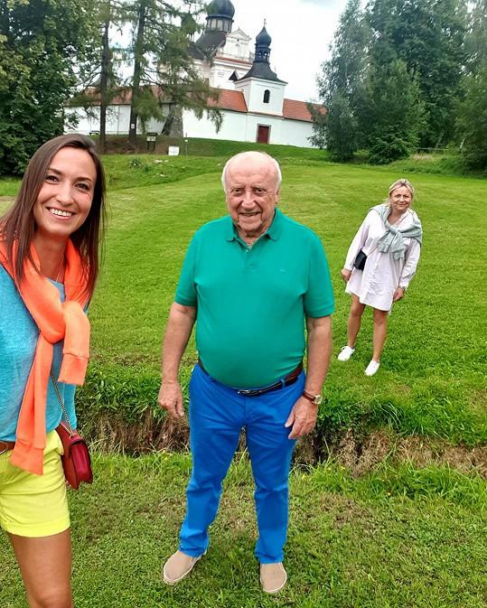 Felix Slováček s Lucií Gelemovou a svou prvorozenou dcerou René. Všichni jsou spolu v přátelském kontaktu.