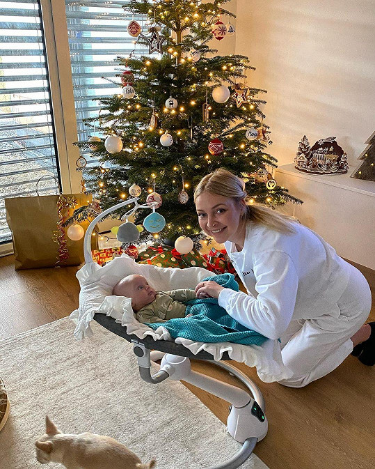 Markéta Konvičková si užije první Vánoce s dcerou.